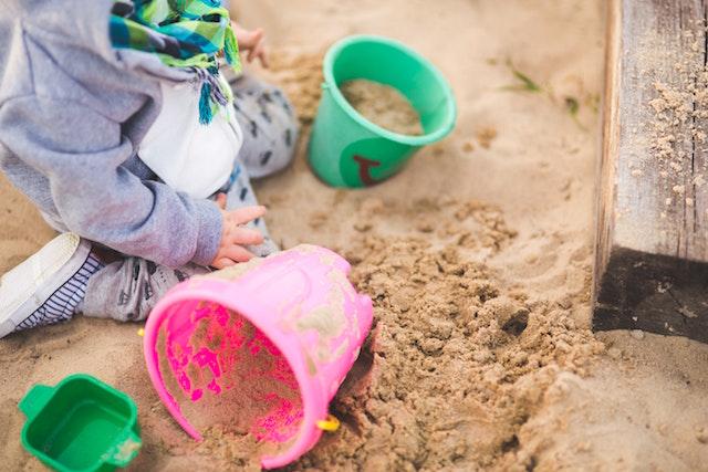 boy-bucket-child-6459